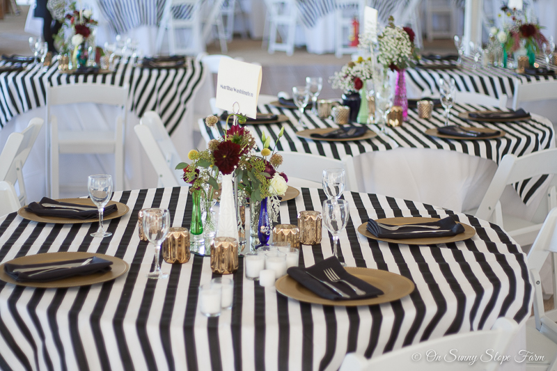 Black White And Gold Make This Rustic Chic Wedding Theme Classic On Sunny Slope Farm