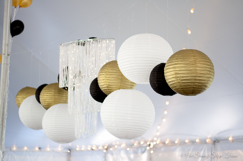 Black White And Gold Make This Rustic Chic Wedding Theme